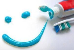 Tipos de pasta de dientes para higiene dental. Tratamientos de odontología conservadora