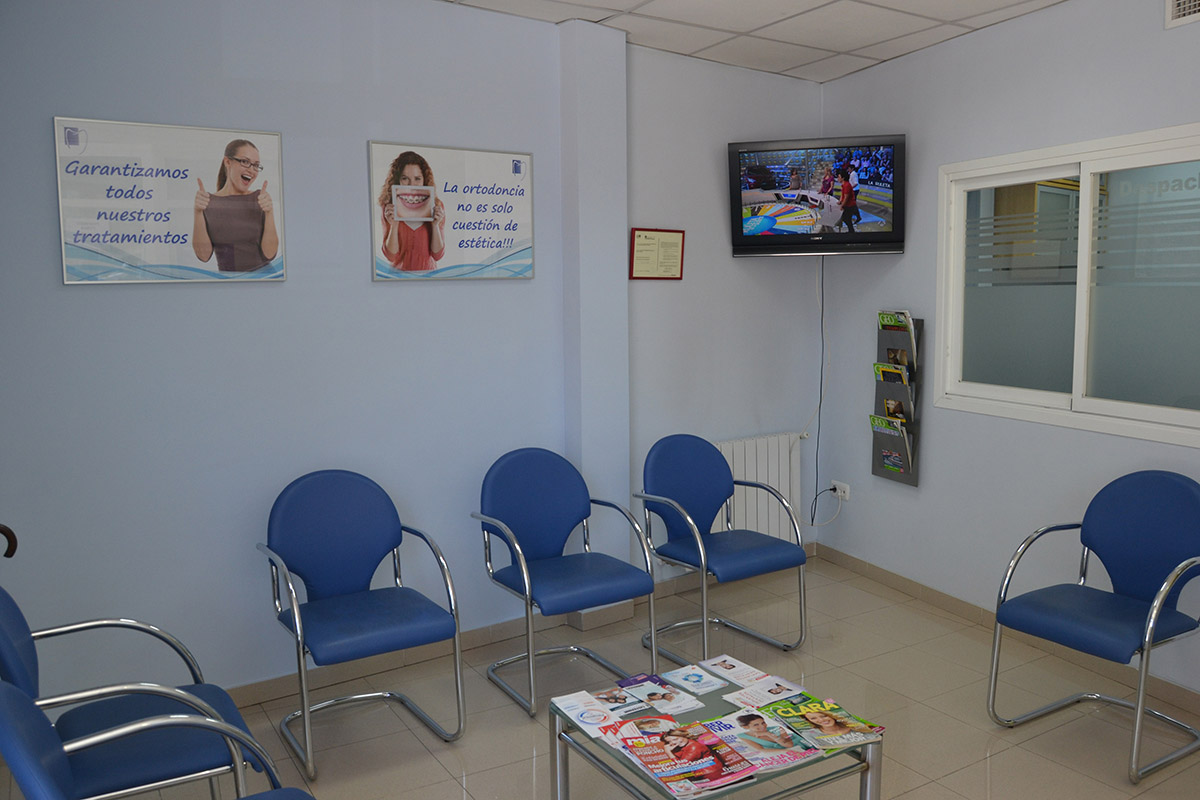 Recepción clínica dental Tetuán en Madrid